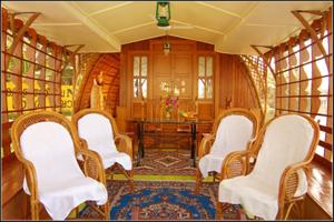 Houseboat interiors