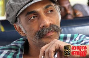 Makarand Deshpande in malayalam movie No.66 Madurai Bus