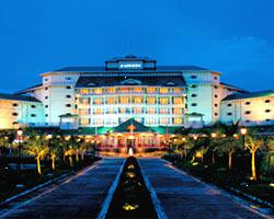 Le Merin Cochin Resort Convention Centre