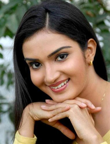 Honey Rose Malayalam Actress - Profile and Biography