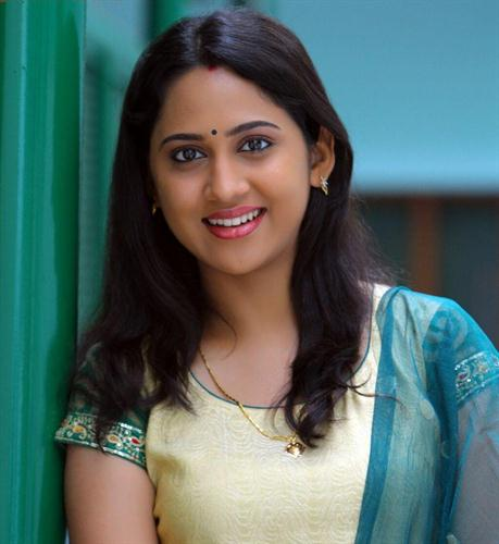 Mia George Malayalam Actress Pic