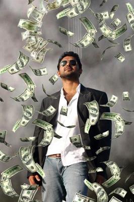 Askar Ali as Aashiq in Holy Shit Malayalam Movie