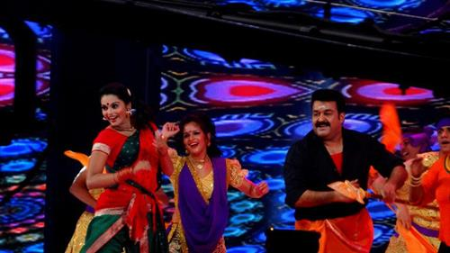 Mazhavilazhakil Amma 2013 stage show on Mazhavil Manorama – 26th and 27th May
