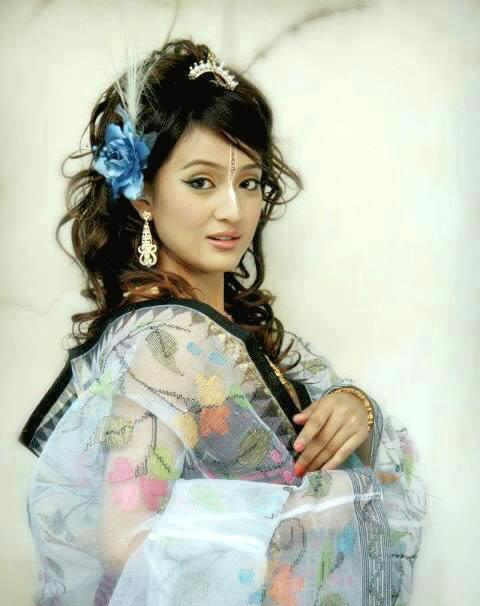Surja Bala Hijam heroine in Neelakasham Pachakadal Chuvanna Bhoomi