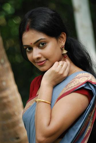 Divya Vishwanath Malayalam Actress - Profile and Biography