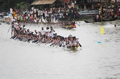 Champakulam Boat Race (Vallamkali) 2013 Live Streaming and Live Telecast