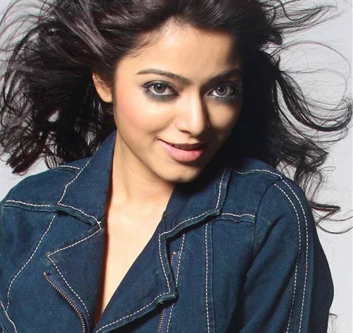 Janani Iyer Malayalam Actress – Profile, Biography and Upcoming Movies
