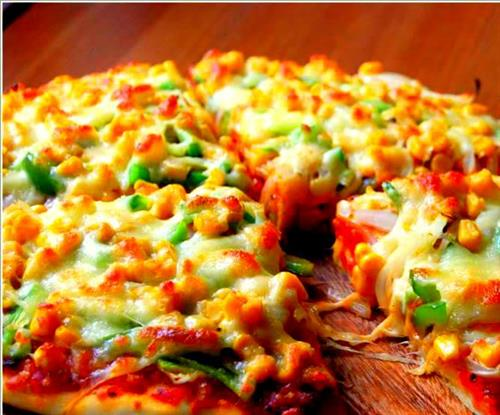 Delicious vegetable pizza