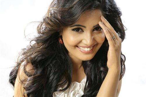 Sandra Amy Malayalam Actress - Profile, Biography and Upcoming Movies