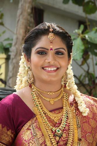 Gayathri Arun Malayalam Serial Actress - Profile and Biography