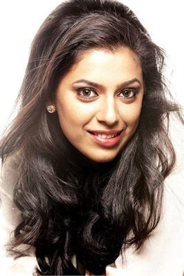 Jewel Mary Malayalam Actresss with Mammootty in Pathemari Movie