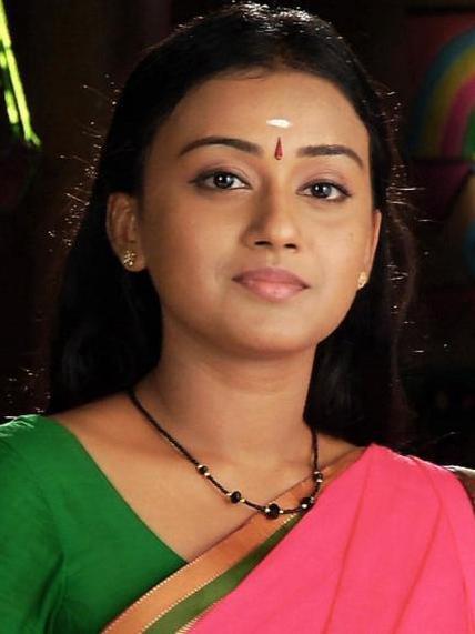 Varada-Jishin-Malayalam-Serial-Actress-amala-fame