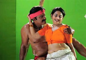 Lakshmi navel show