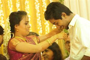 Vineeth Sreenivasan - Divya Narayanan Wedding Photos