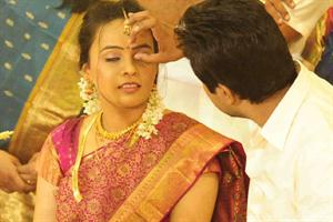 Vineeth Sreenivasan - Divya Narayanan Marriage Photos Gallery